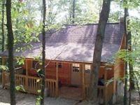 Big pine retreat hocking hills cabins for Little pine cabin hocking hills